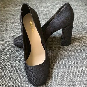 Wonderful Elegant floral Shoes. NINE WEST heals